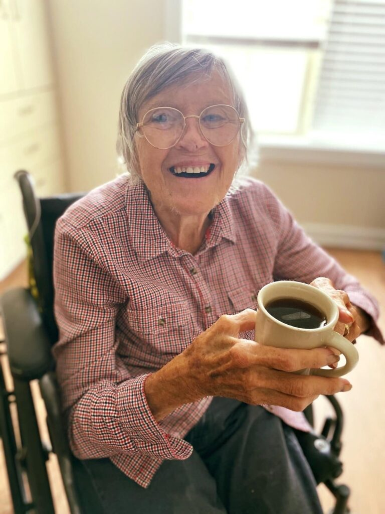 Residents enjoy a delicious and nutritious dining program